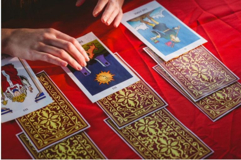 How Does Tarot Reading Work?
